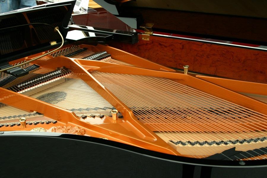 Wat is het verschil tussen een vleugel en een piano? - Luister magazine over klassieke muziek