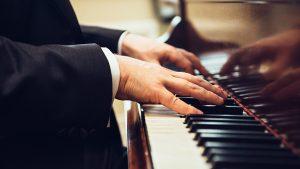 Myrthe Meester schrijft columns voor Luister magazine, dit keer over atonale muziek