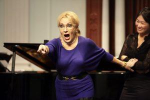 Internationaal Vocalisten Concours geeft operacursus met wereldsterren als Nelly Miricioiu - Luister magazine