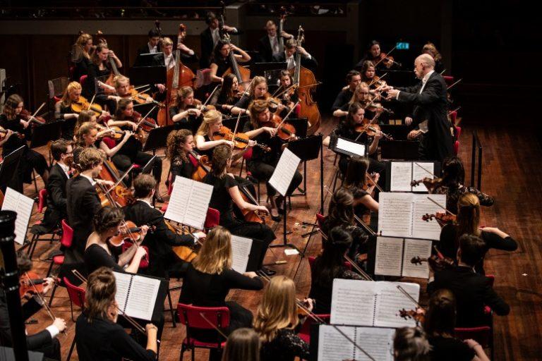 Het Nederlands Studenten Orkest (NSO) toert door heel Nederland - Luister magazine over klassieke muziek