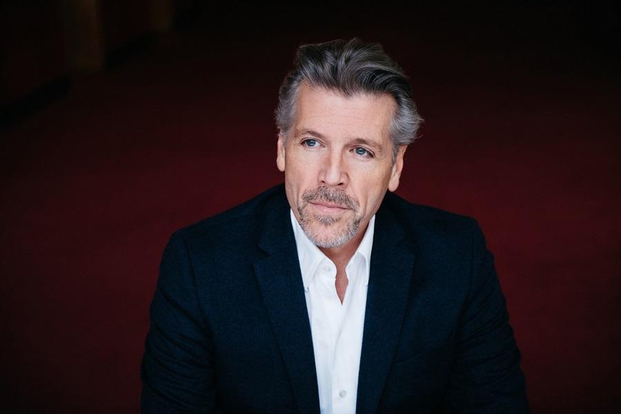 Bariton Thomas Hampson gaat samen met Amsterdam Sinfonietta grote concertzalen af – Luister magazine over klassieke muziek