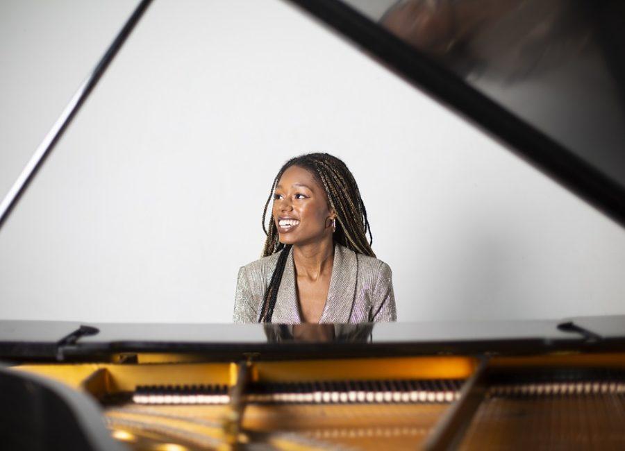 Isata Kanneh-Mason is een pianist met een missie - Luister magazine over klassieke muziek