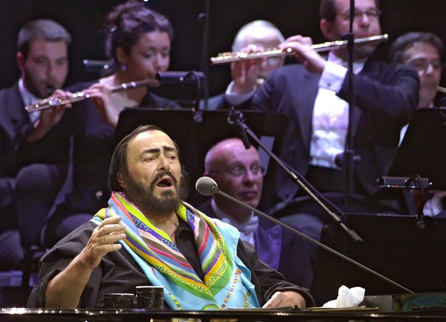 De Italiaanse tenor Luciano Pavarotti schittert in een documentaire van Ron Howard – Luister Magazine